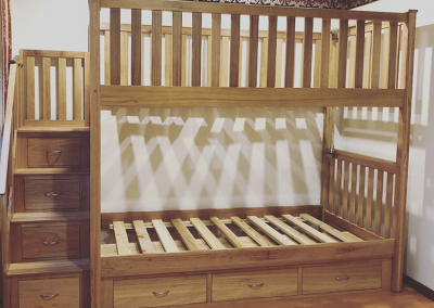 Black butt bunk with stairs
